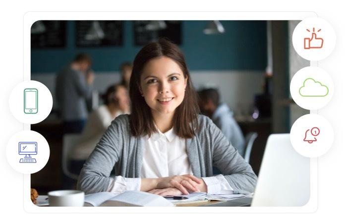 aluna feliz que a agenda escolar on-line Timely notifica as atribuições e tarefas